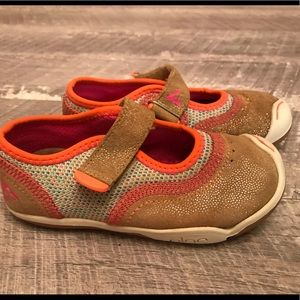 Plae Emme Girls Shoes 9 Gold Shimmer